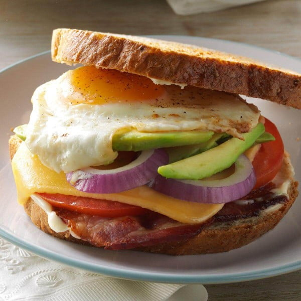 Bacon Egg and Avocado Sandwiches #breakfast #recipe