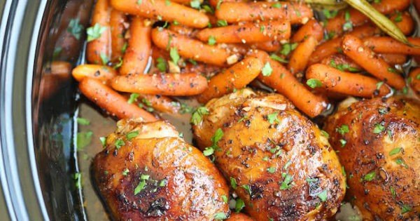 Crock Pot Honey Garlic Chicken #recipe #dinner