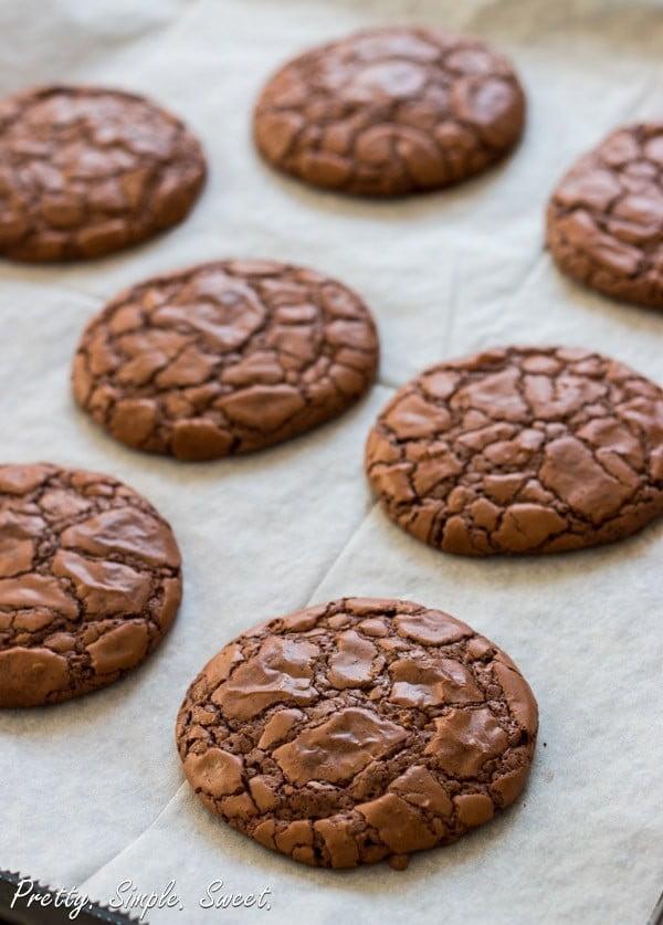 The Best Fudgy Chocolate Cookies #dessert #chocolate #cookies