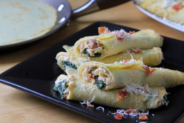 Savory Spinach, Ricotta and Bacon Crêpes #crepes #recipe #dinner