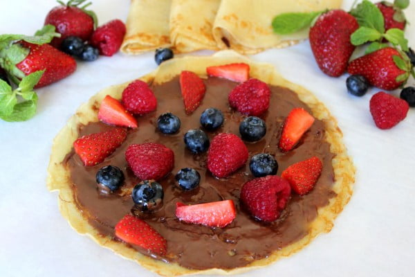 Nutella and Berry filled Crepes #crepes #recipe #dinner