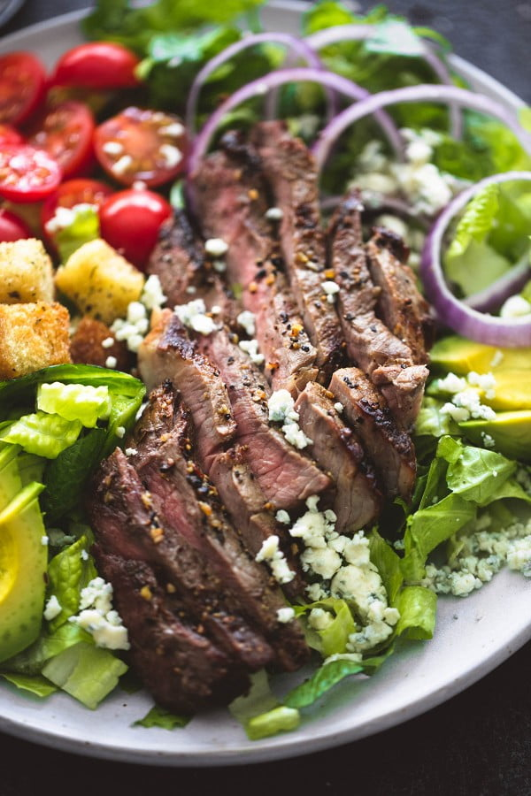 Black n' Blue Grilled Steak Salad #grill #dinner #recipe