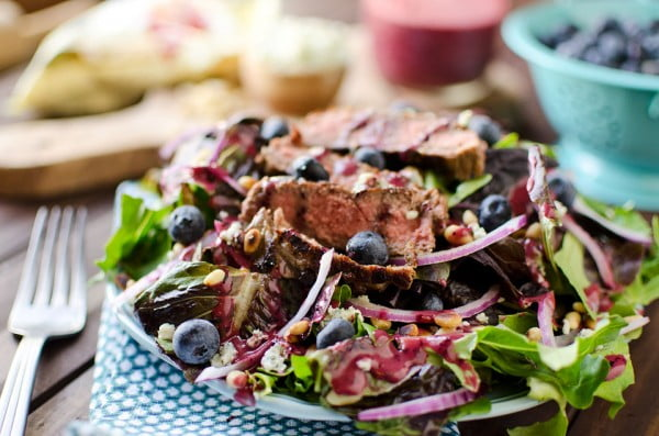 Steak & Bleu Cheese Salad with Blueberry Balsamic Dressing #grill #dinner #recipe