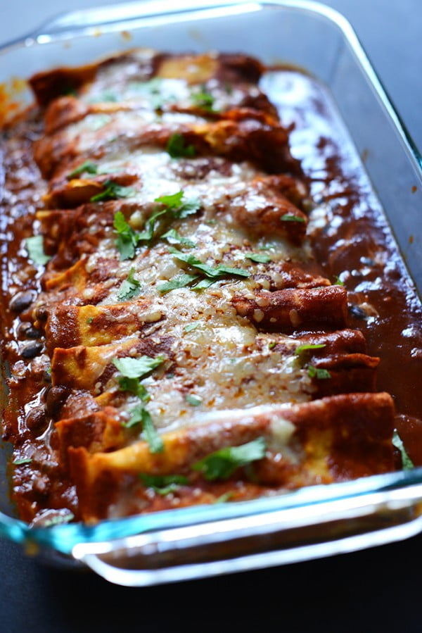 Black Bean Green Chili Enchiladas #meatless #dinner #recipe