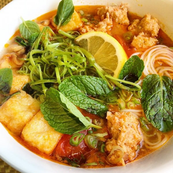 Vietnamese Crab Noodle Soup recipe #noodles #soup #dinner #recipe