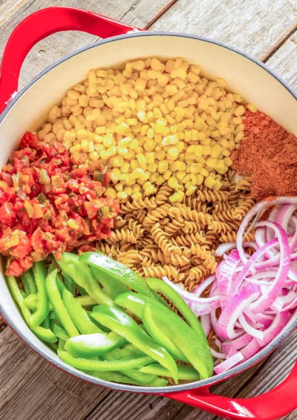 One Pot Wonder Southwest Pasta #onepot #dinner #recipe