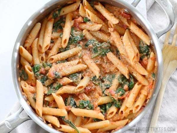 Creamy Tomato and Spinach Pasta #pasta #dinner #recipe
