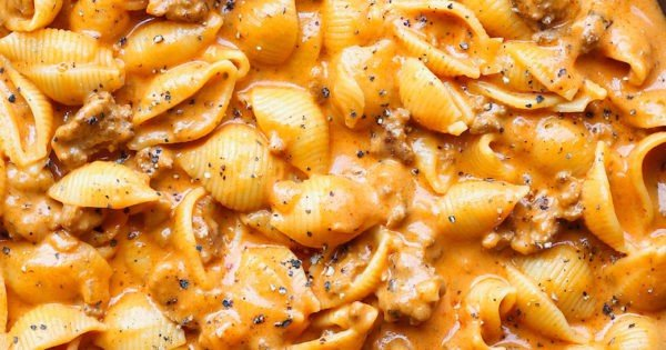 Creamy Beef and Shells #pasta #dinner #recipe