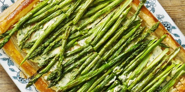 Roasted Asparagus and Ricotta Tart #picnic #recipe #lunch
