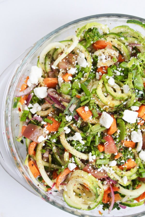 Zucchini Noodle Spaghetti Salad #picnic #recipe #lunch