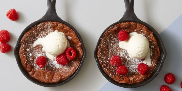 Molten Chocolate Skillet Brownies #romantic #recipe #dessert
