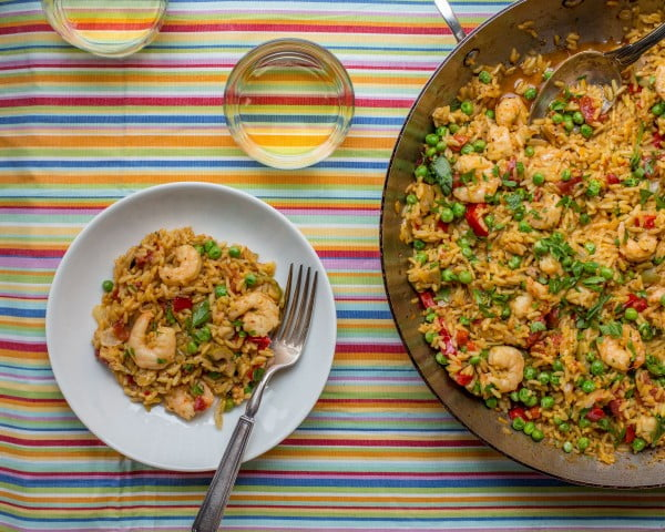 Simple Shrimp Scampi Paella #seafood #dinner #recipe