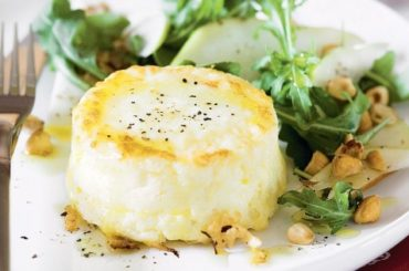 Twice-baked goat's cheese souffles with pear, hazelnut and rocket salad #vegetarian #dinner #healthyfood