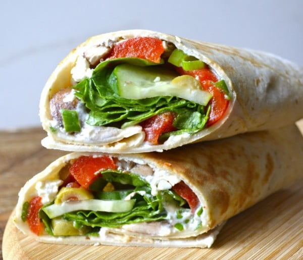 Greek Salad Wraps with Roasted Red Peppers - Maebells #recipe #wrap #dinner #snack