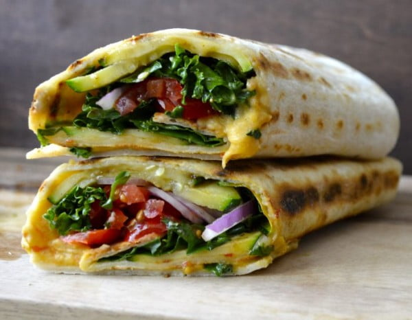 Grilled Zucchini Hummus Wrap + VIDEO - Maebells #recipe #wrap #dinner #snack