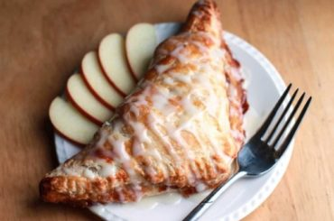 Classic Apple Turnovers #apples #food #dinner #recipe