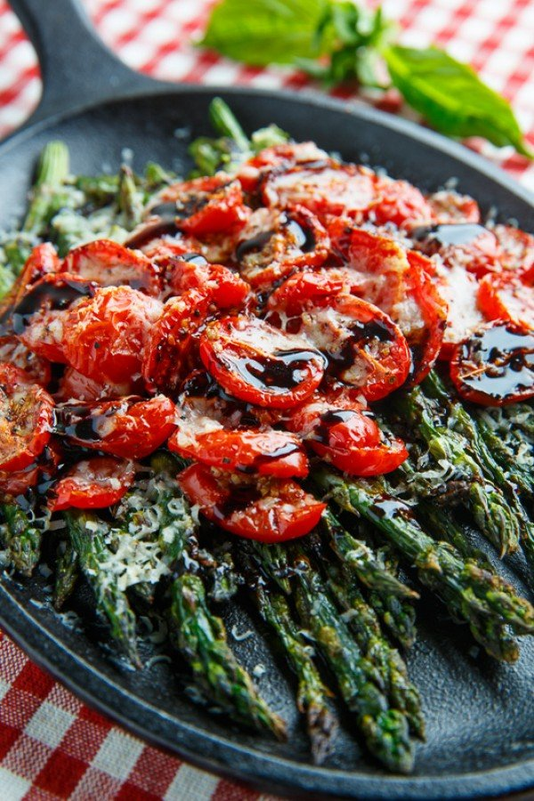 Balsamic Parmesan Roasted Asparagus and Tomatoes Recipe #asparagus #sidedish #dinner #recipe #food