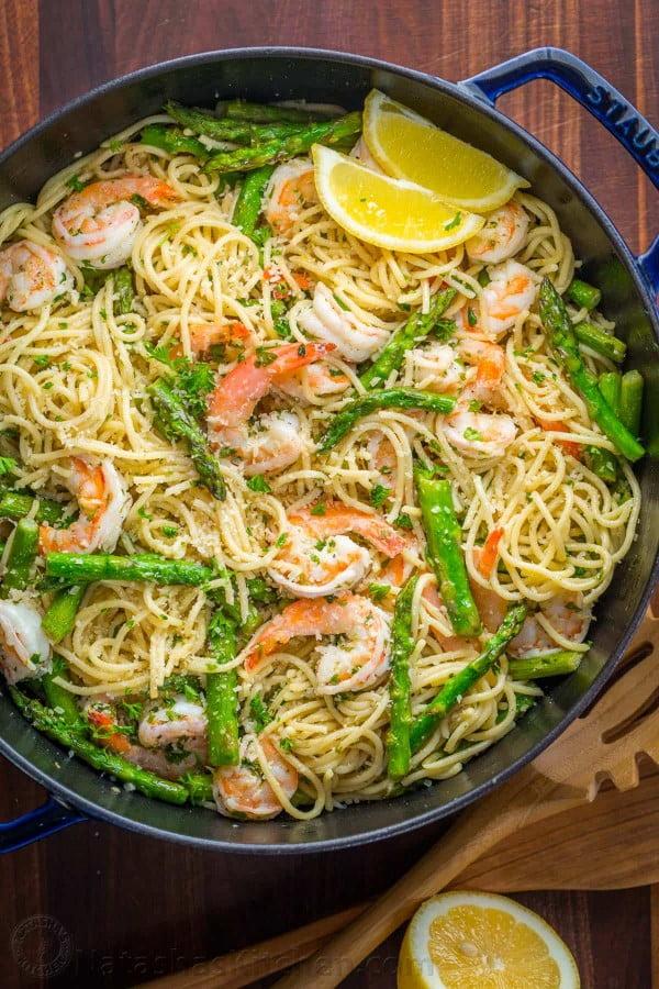 Shrimp Scampi Pasta with Asparagus (VIDEO) #asparagus #sidedish #dinner #recipe #food