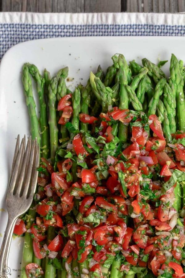 Easy Asparagus Recipe with Mediterranean Salsa #asparagus #sidedish #dinner #recipe #food