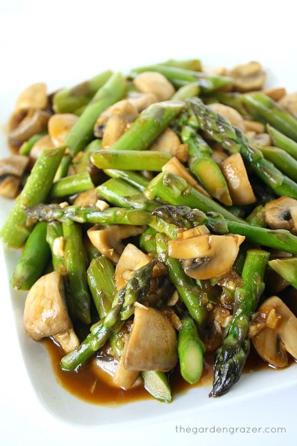 Asparagus and Mushroom Stir-Fry #asparagus #sidedish #dinner #recipe #food