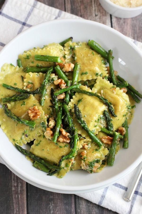 Ravioli With Sauteed Asparagus and Walnuts #asparagus #sidedish #dinner #recipe #food