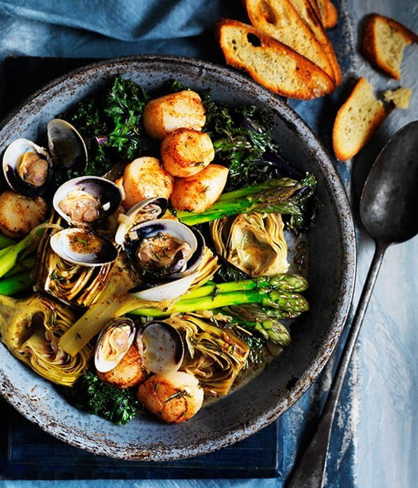 Barigoule of artichoke, asparagus and kale with scallops and clams #asparagus #sidedish #dinner #recipe #food
