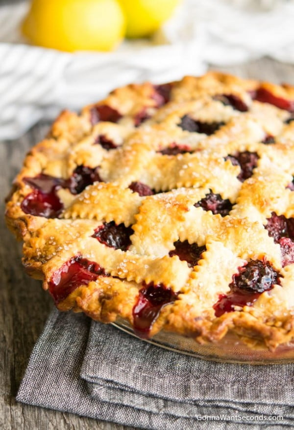 Easy Blackberry Pie Recipe #berries #dessert #recipe