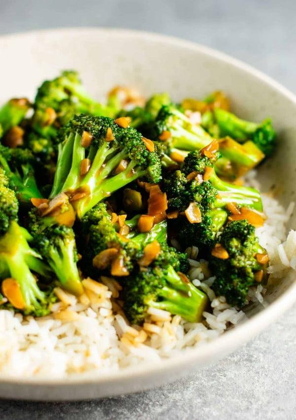 Broccoli with Garlic Sauce #recipe #broccoli #dinner #food