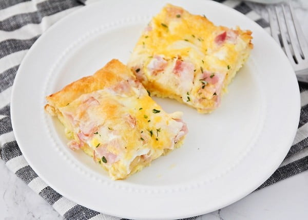 Croissant Omelet Breakfast Casserole #recipe #casserole #dinner