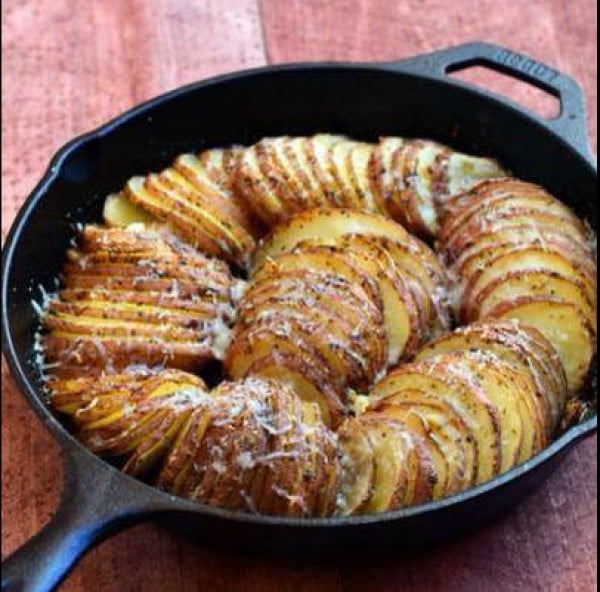 Cast Iron Potatoes by Judy O #recipe #food #dinner #castironskillet