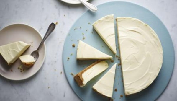 White chocolate cheesecake #dessert #cheesecake #recipe