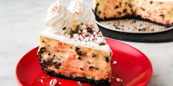 Peppermint Bark Cheesecake Will Make Your Guests Believe In Santa #dessert #cheesecake #recipe