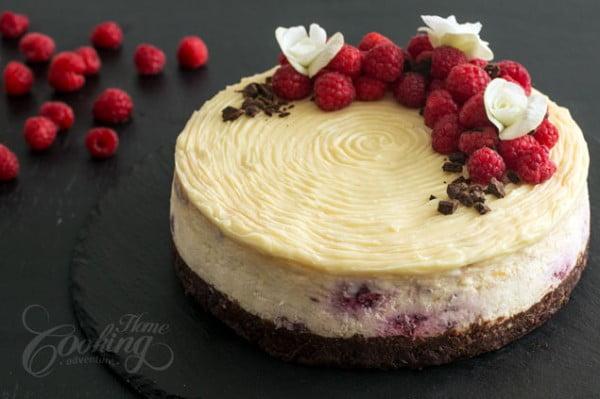Brownie Raspberry Cheesecake #dessert #cheesecake #recipe
