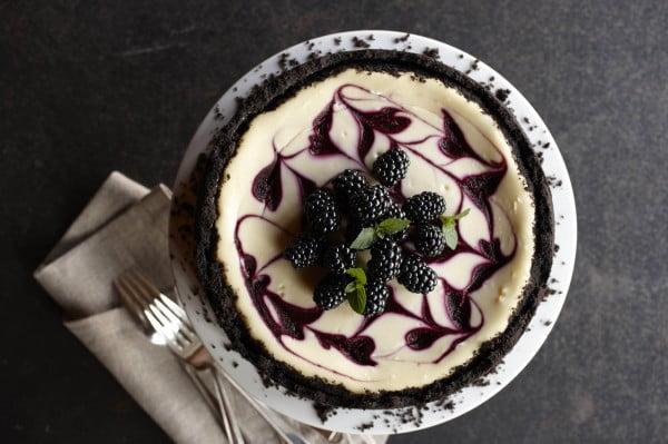 Swirled Blackberry Cheesecake #dessert #cheesecake #recipe