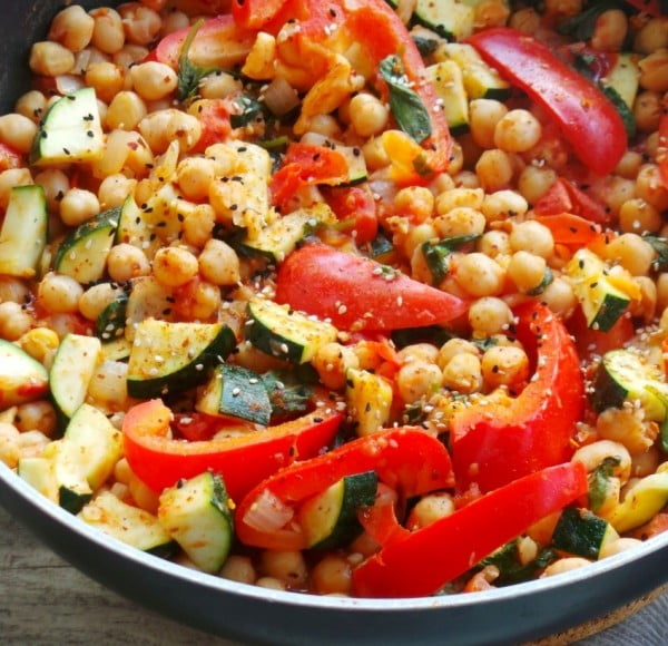 15 Minute Mediterranean Chickpea Stew #chickpea #healthy #dinner