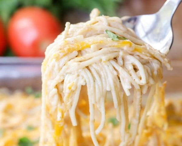 EASY Chicken Spaghetti Recipe (+VIDEO) #comfortfood #food #dinner #recipe