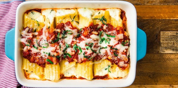Cheese Manicotti Is The PERFECT Comfort Food #comfortfood #food #dinner #recipe