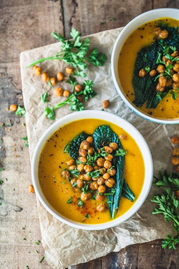 Roasted Pumpkin Cream Soup with Crispy Chickpeas #soup #dinner #creamsoup #food #recipe