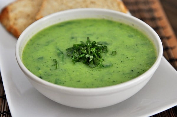 No-Cream Creamy Basil Spinach Soup #soup #dinner #creamsoup #food #recipe