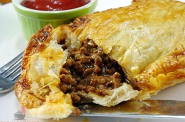 Hearty Slow Cooker Ground Beef Pie Filling #crockpot #dinner #beef