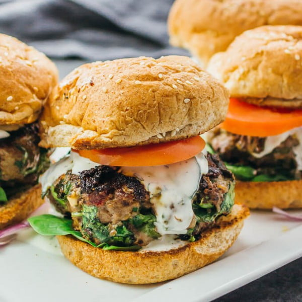 Greek Burgers with Spinach, Feta, and Sun-Dried Tomatoes #beef #dinner #recipe