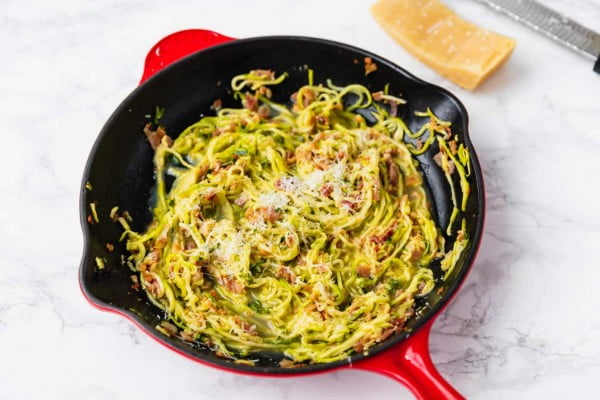 Low-Carb Zucchini Carbonara #zucchini #healthy #recipe #dinner