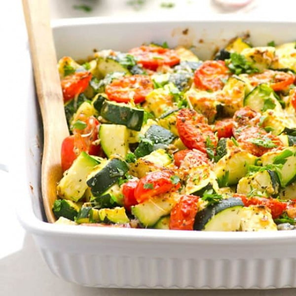 Zucchini Bake with Tomatoes, Garlic and Parmesan #zucchini #healthy #recipe #dinner