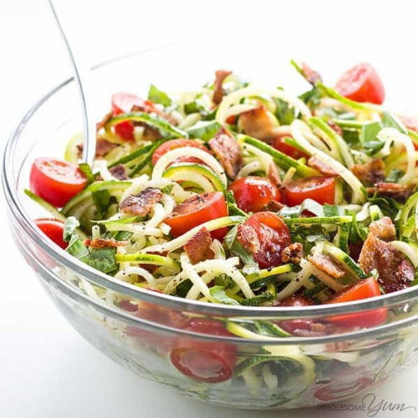 Zucchini Noodle Salad Recipe with Bacon & Tomatoes (Low Carb, Paleo) #zucchini #healthy #recipe #dinner