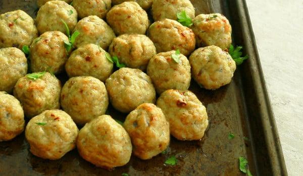 Baked Chicken Avocado Meatballs #meatballs #dinner #recipe