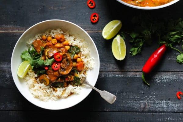 Mushroom Curry with Spinach & Chickpeas #mushroom #recipe #dinner #food