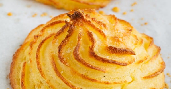 Duchess Potatoes Recipe with Parmesan #recipe #potato #dinner