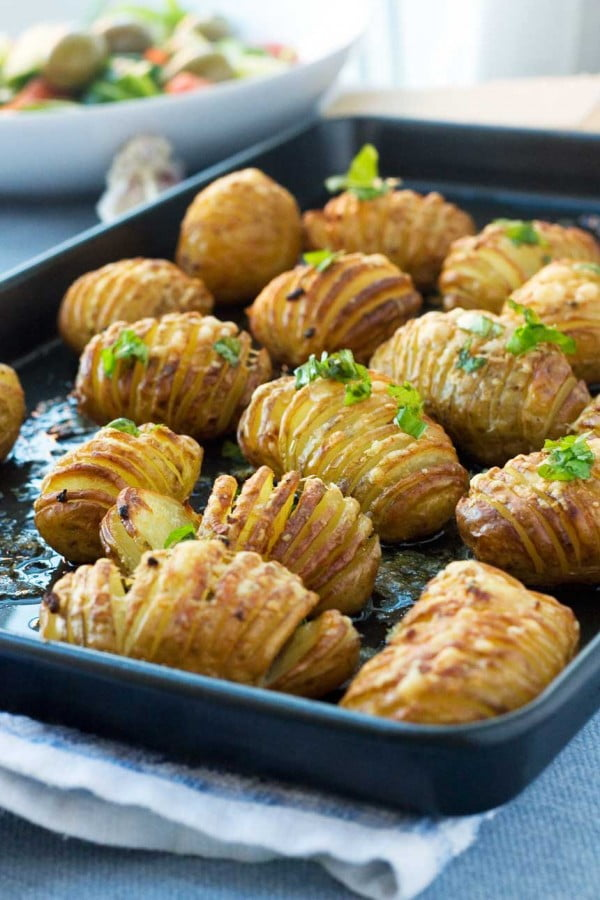 mini garlic & parmesan hasselback potatoes #recipe #potato #dinner