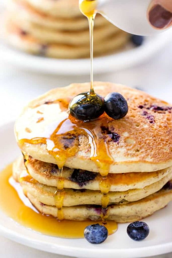 Fluffy Vegan Blueberry Quinoa Pancakes #quinoa #healthy #dinner #recipe