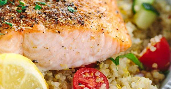 Mediterranean Spiced Salmon and Vegetable Quinoa #quinoa #healthy #dinner #recipe
